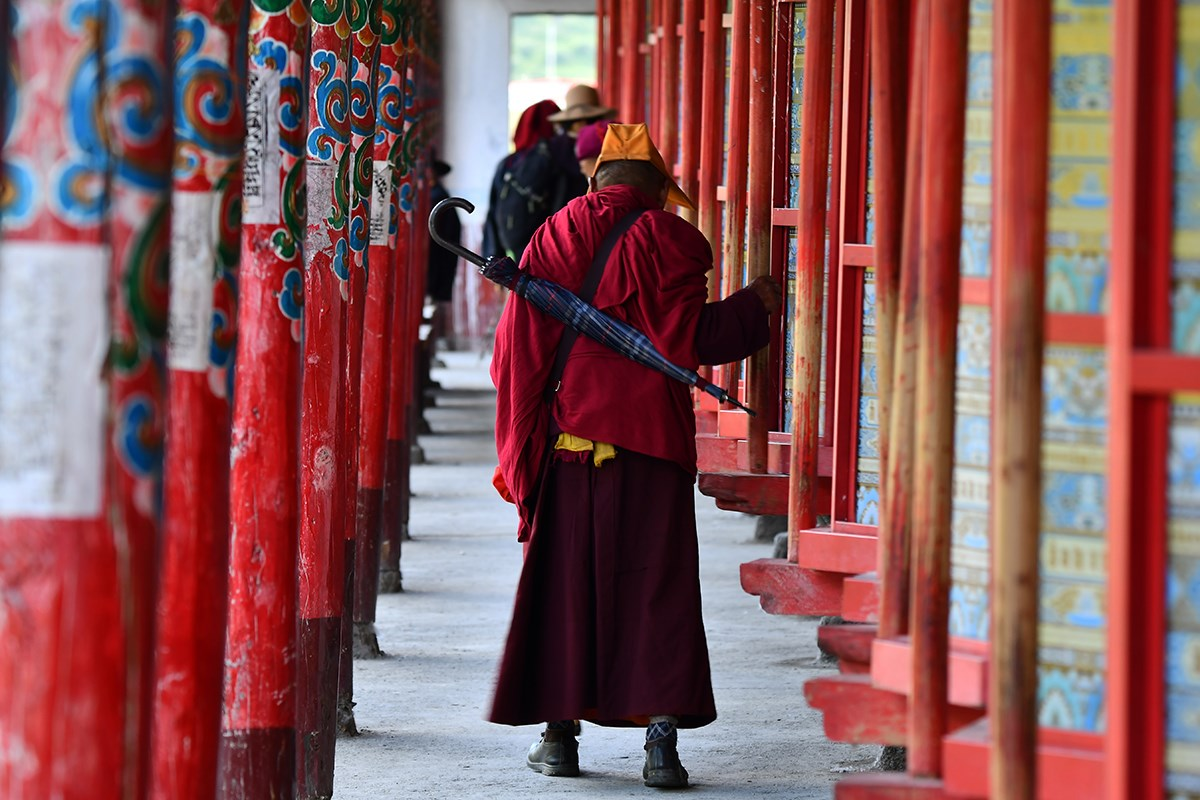 Prayer Wheels of Tagong Monastery | Photo by Liu Bin