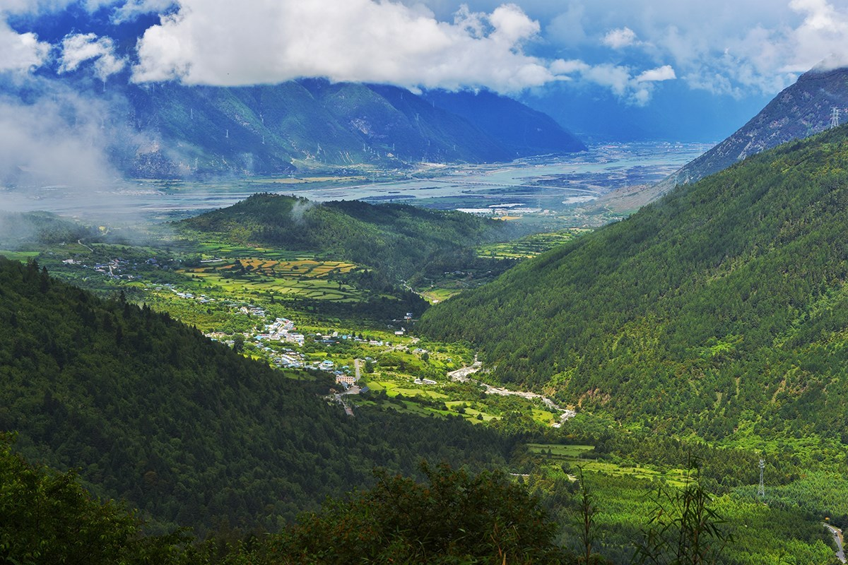 Beautiful Landscape of Linzhi (Nyingchi) | Photo by Liu Bin