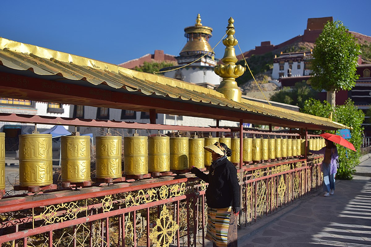 Prayer Wheels of Palkhor Monastery | Photo by Liu Bin