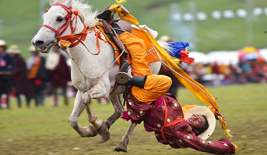 Experience Tagong Mask Dance Festival and Litang Horse Racing Festival 2021