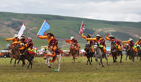 Tibet Tour during Horse Racing Festival in Damxung 2021